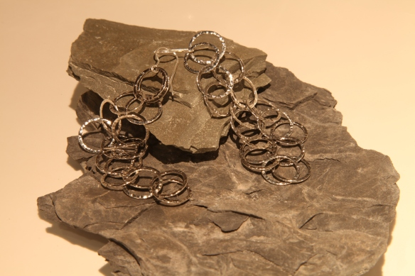 Earrings with 3 ways length adjustable - short, longer, longest (flat hammered silver round links)